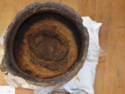 3000年前にチーズを焦がした鍋を発掘