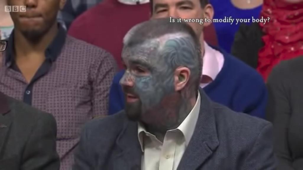イギリス1のタトゥー男