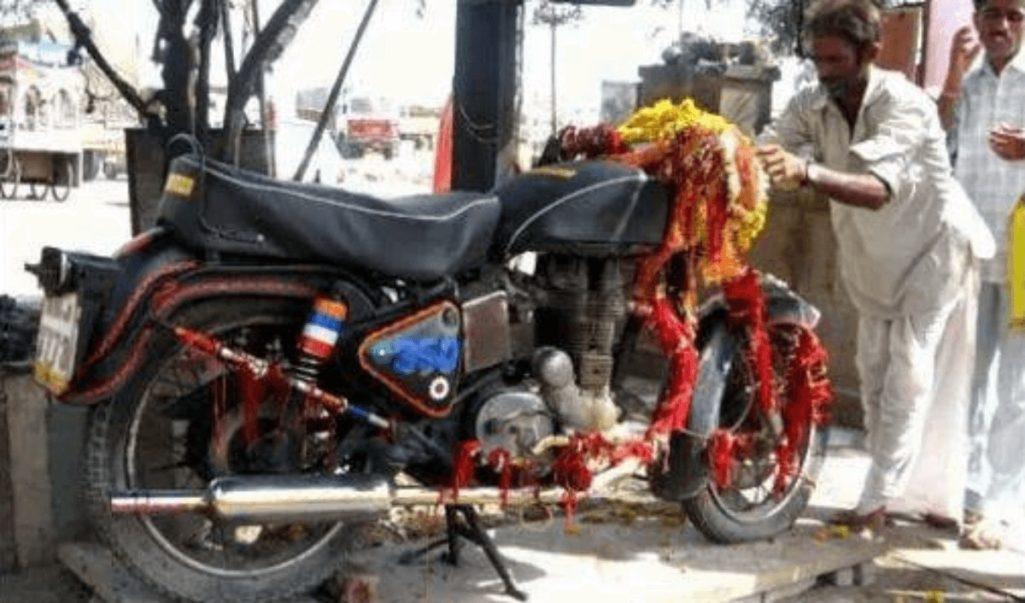 インドに実在するバイク寺