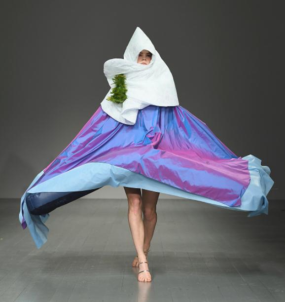変なファッション