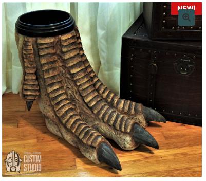 恐竜の足のゴミ箱