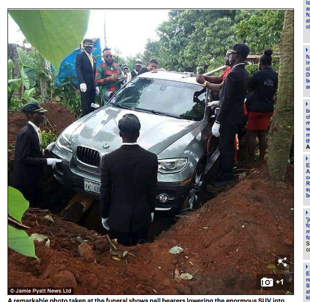 ナイジェリアで世界初のBMW葬式