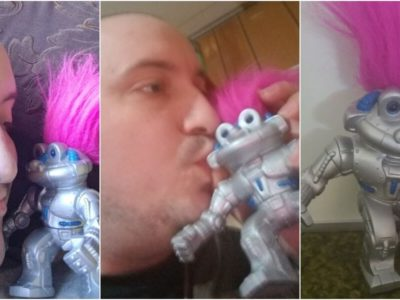 ロボット小人のオモチャに恋した男