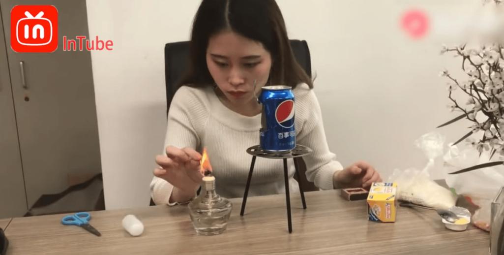 YouTubeの空き缶ポップコーンで全身火傷