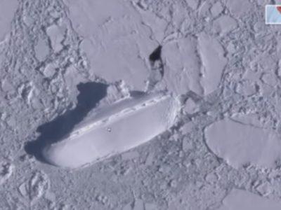 Google Earthで南極に「氷の船」発見