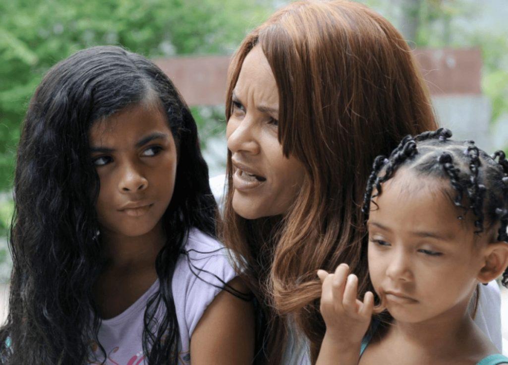 現役の女性議員が子供を操って夫を殺害事件