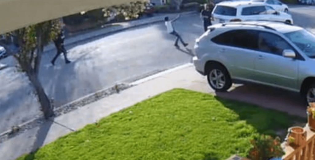 少年強盗を返り討ち動画