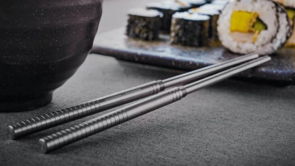チタン製のヌンチャク箸