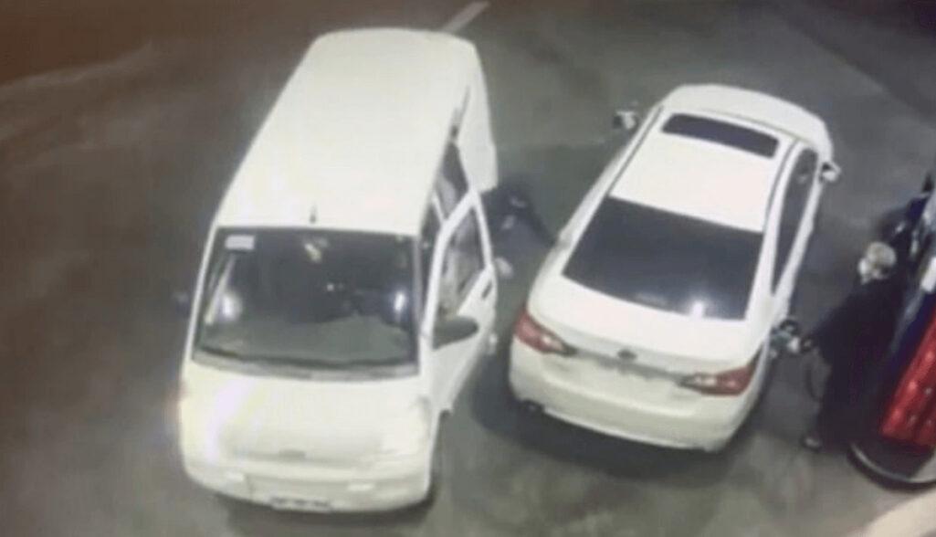 ガソリン噴射で強盗を撃退動画