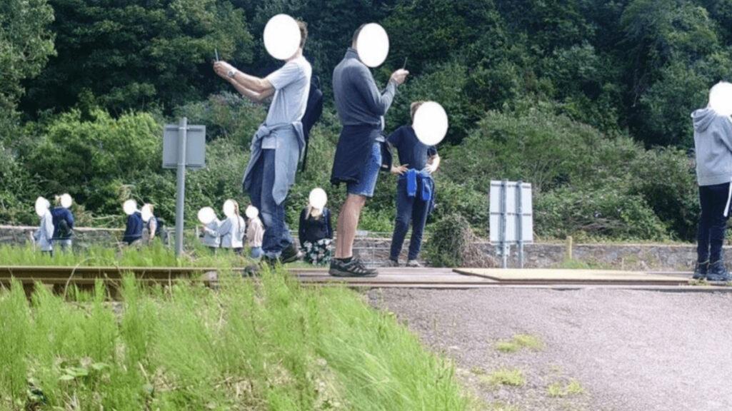 危険な線路内でのTikTok撮影問題